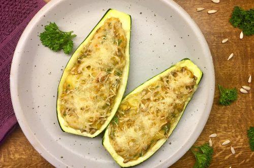 Gefüllte Zucchini, Kartoffel, Emmentaler. Sonnenblumenkerne